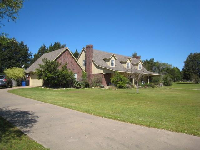 400 Country Oaks Greenville, TX 75401