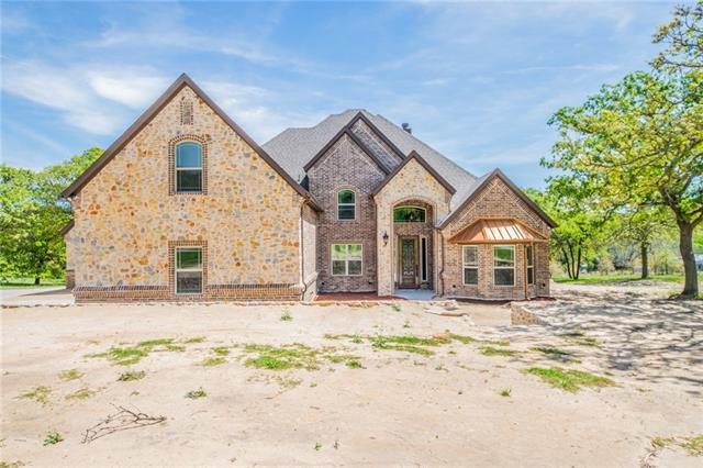 108 Oak Creek Dr, Springtown, TX