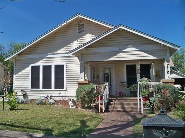 716 W Pecan, Coleman, TX