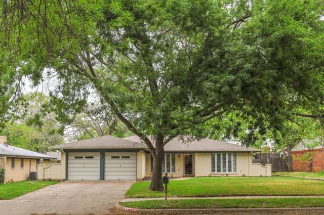 1813 Galahad Ln, Arlington, TX