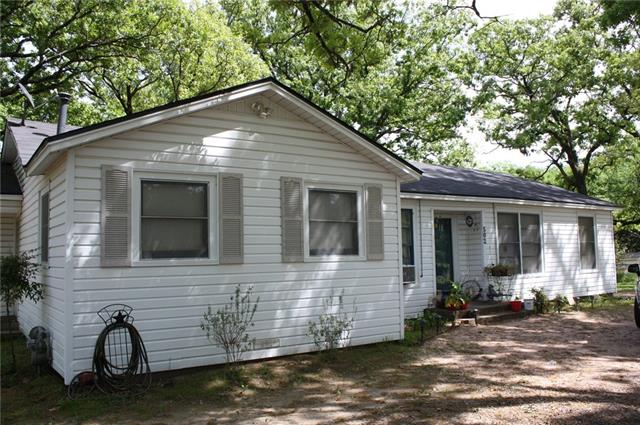 502 N Houston St, Edgewood, TX