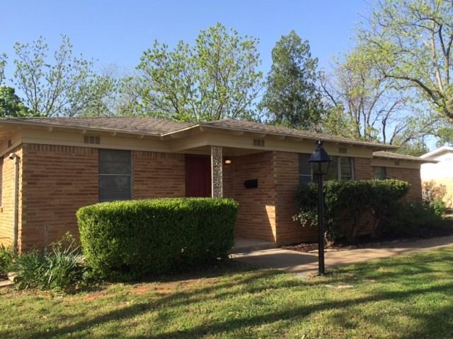 1518 W Park Row Dr, Arlington, TX