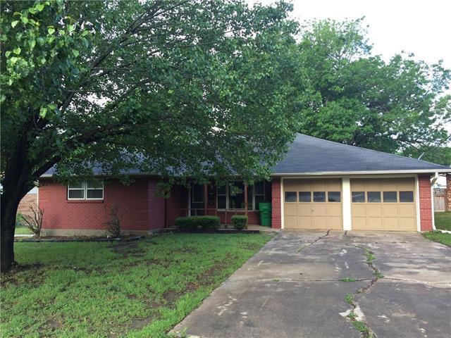 1307 Hillside Dr, Gainesville, TX