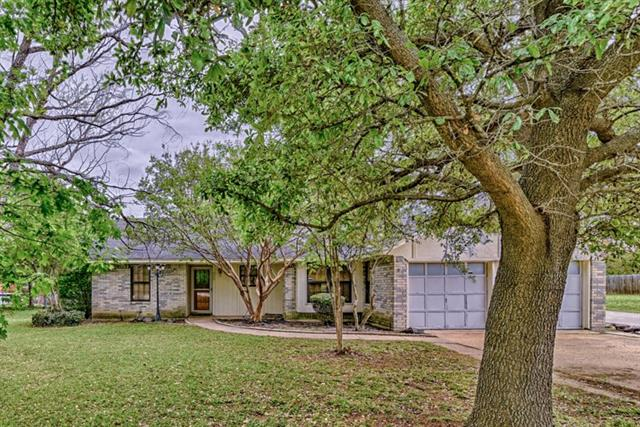 403 Country Meadow Dr, Mansfield, TX