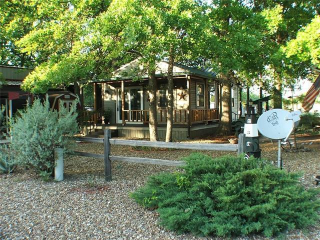7033 Ranch House Ln, Granbury, TX