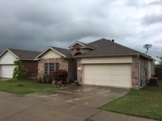 1008 Fort Apache Dr, Haslet, TX