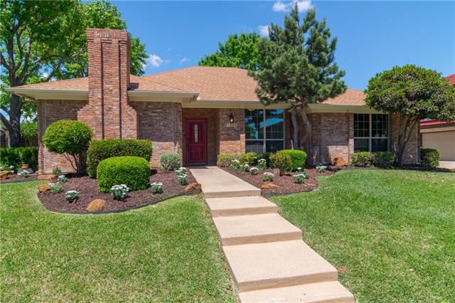 1205 Timber View Dr, Bedford, TX