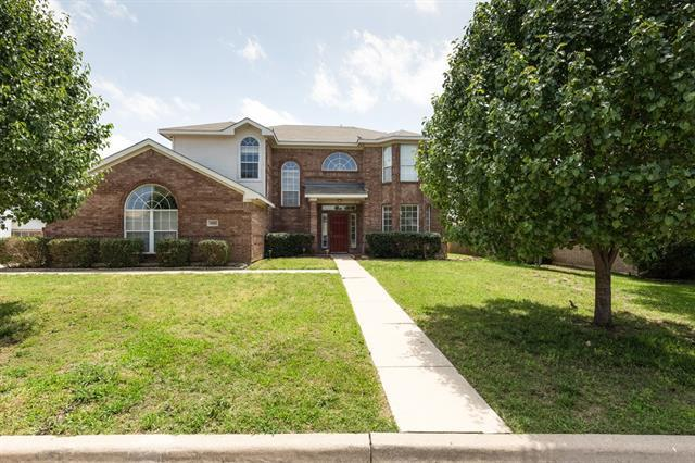 3812 Periwinkle Dr, Fort Worth, TX