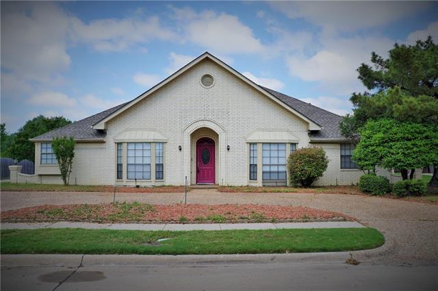 2207 Creekview, Carrollton, TX