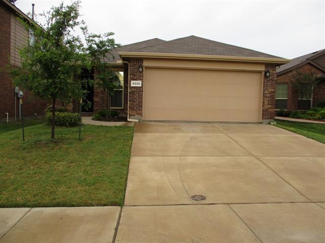 5225 Austin Ridge Dr, Fort Worth, TX