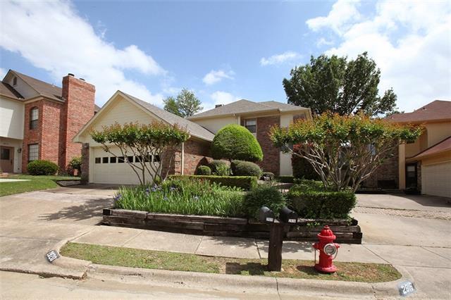 2920 Eagles Nest Dr, Bedford, TX