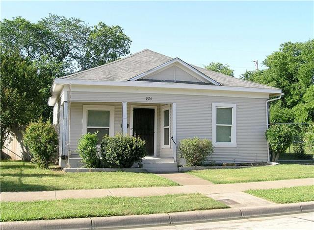 924 E Tucker St, Fort Worth TX 76104