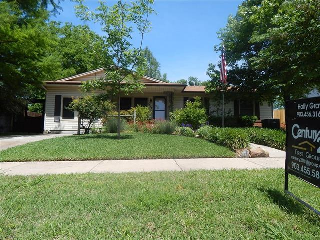 1418 Tremont St, Greenville TX 75401