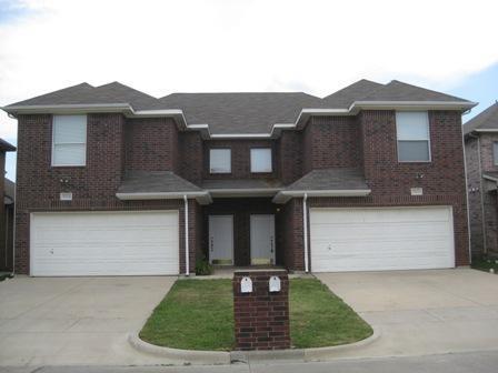 5820 Blackmon Ct, Fort Worth, TX