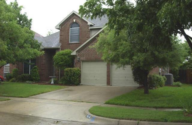 4540 Westbriar Ln, Grand Prairie, TX