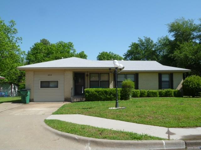 1408 Glendale St, Greenville TX 75401