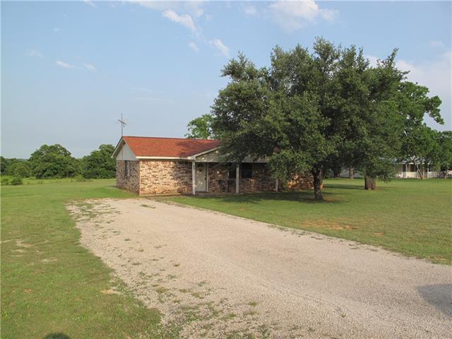 104 N Hill Top Ct, Springtown, TX