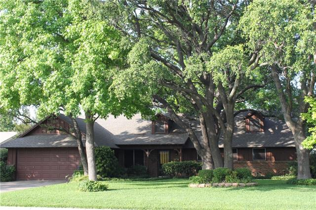 5621 Westcreek Dr, Fort Worth, TX