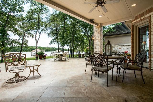 217 Lakeside Dr, Malakoff, TX