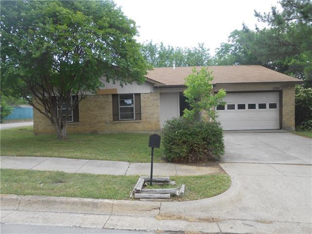 1701 Glenview Ln, Arlington, TX