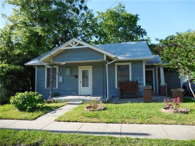 2924 Templeton St, Greenville TX 75401