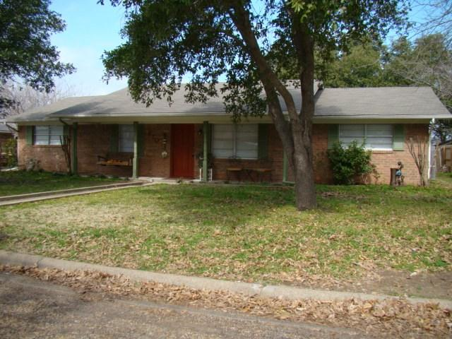 210 W Mcafee Dr, Mabank, TX