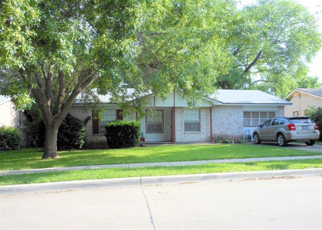 1402 Glynn Oaks Dr, Arlington, TX