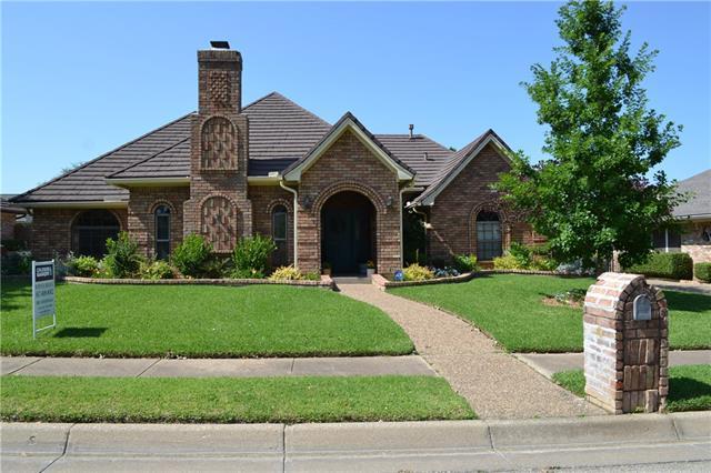 837 Saddlebrook Dr, Bedford, TX