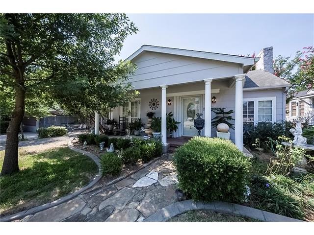 4313 Calmont Ave, Fort Worth TX 76107