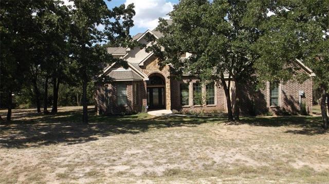293 Oak Creek Cir, Springtown, TX