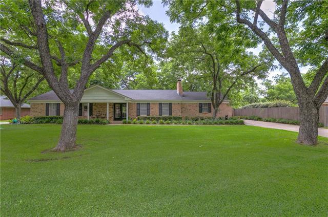 7613 Ravenswood Rd, Granbury, TX