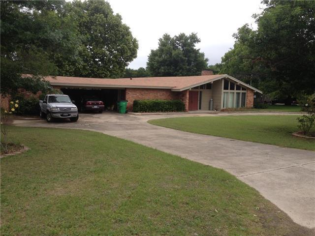 1309 W California St, Gainesville, TX
