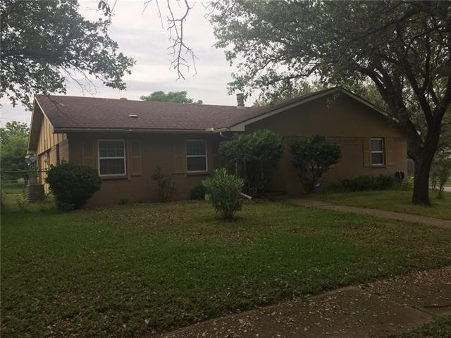 3401 S Elm Dr, Grand Prairie, TX