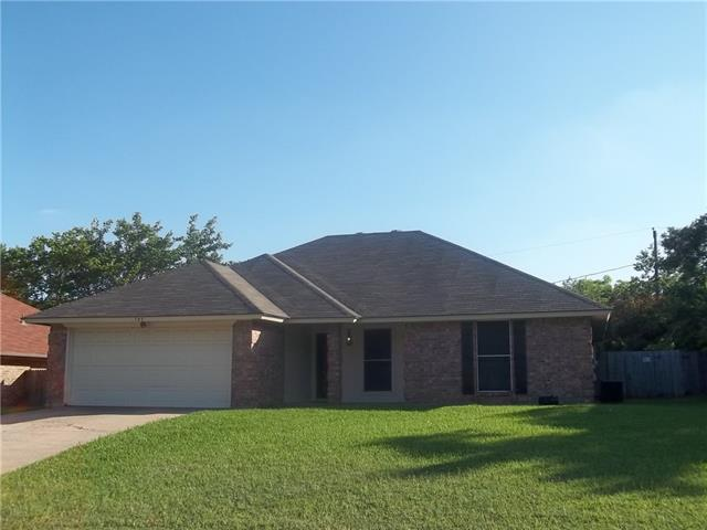705 Parkview Dr, Burleson TX 76028