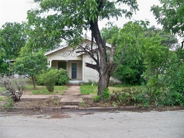 512 S Frio St, Coleman, TX