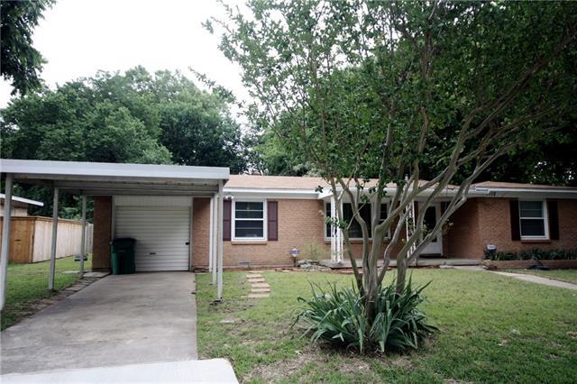 5712 S Wells Cir, Fort Worth TX 76114