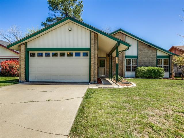 2834 Padre Ln, Grand Prairie, TX