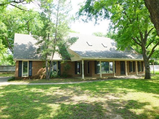 6003 Oakwood Ct, Granbury, TX
