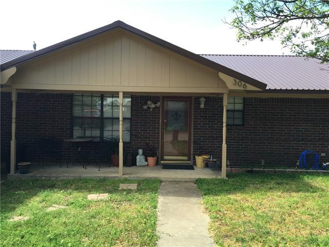 306 Denton Ct, Collinsville, TX