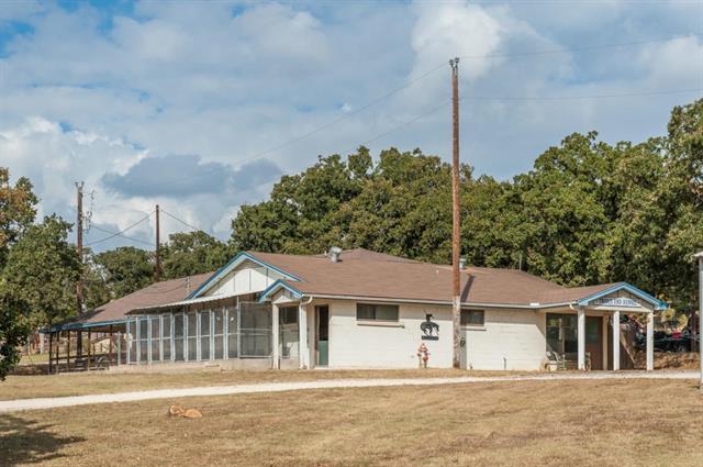 3701 Trails End Rd, Burleson TX 76028