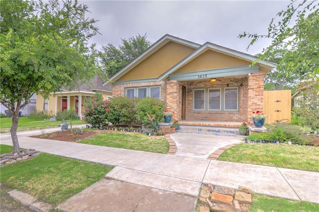 1615 S Henderson St, Fort Worth TX 76104