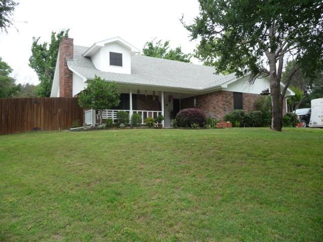 1516 Oakridge Ct, Azle, TX