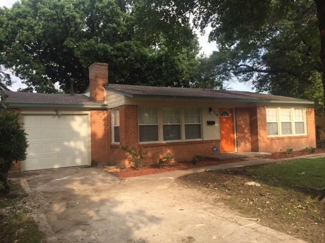 2738 S Llewellyn Ave, Dallas, TX