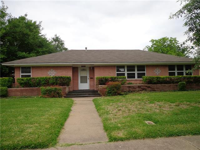 520 Lindenwood Dr, Lancaster, TX