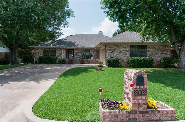 8908 Ashcraft Dr, North Richland Hills, TX
