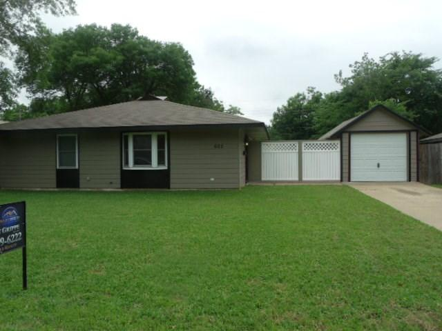 605 Hodges Dr, Euless, TX
