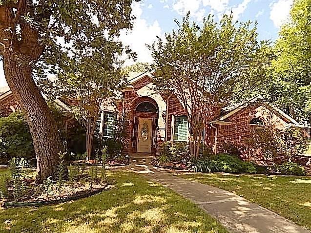 913 Bridle, Burleson, TX