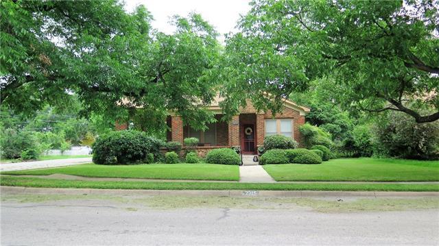 2215 Vincent St, Brownwood, TX