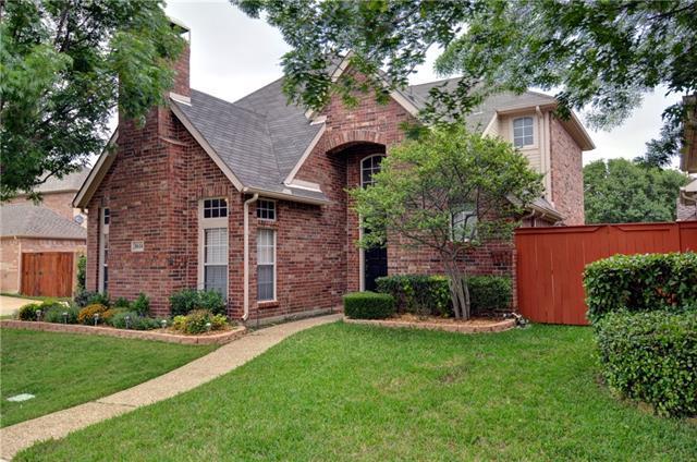 8614 Old Oak Dr, Irving, TX