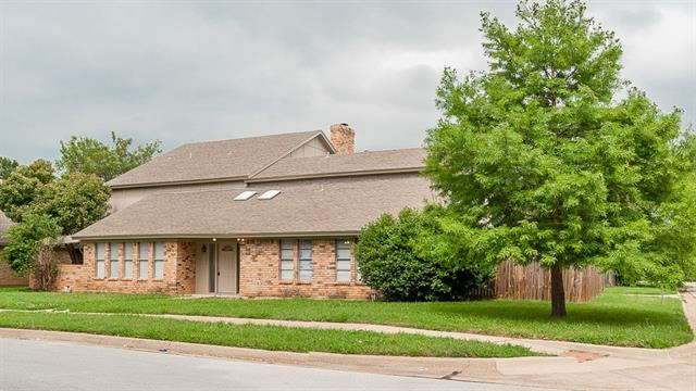 4615 Lake Park Dr, Arlington, TX